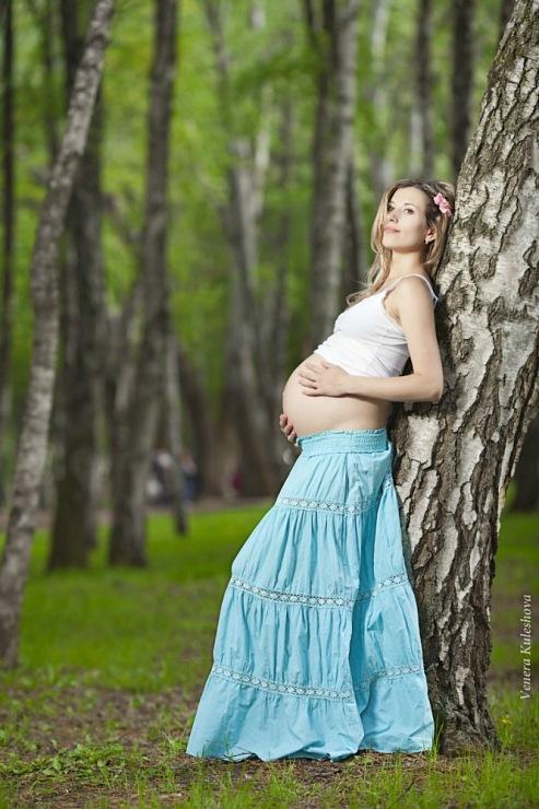 Беременные на природе позы для