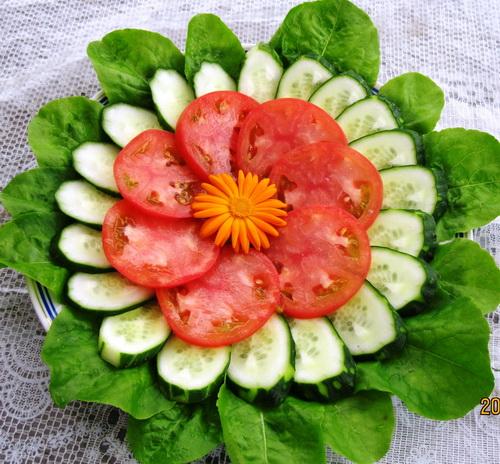Украшение салатов на новый год с фото